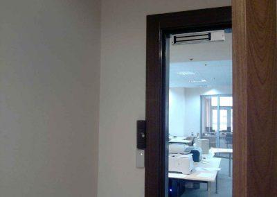 montag-sistem-kontroly-dostupa-elktromagnitnyj--zamok-na-derevanuu-dver-436l