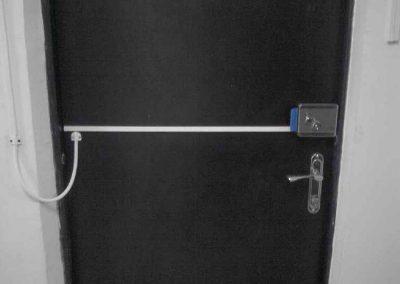 montag-sistem-kontroly-dostupa-elktromehanicheskiy-zamok-na-bronedver1i